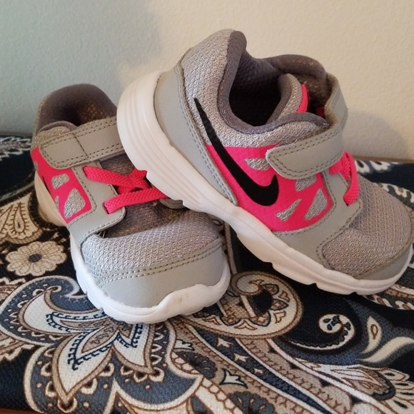 Toddler girl's Nike Downshifter 6 sneakers